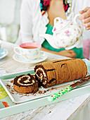 Schokoladen-Frangelico-Roulade zur Teatime