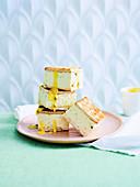 Käsekuchenschnitten mit Limette und Passionsfrucht