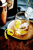 Cocktail 'Smalls East India' mit Vermouth und Sherry