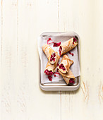 Radicchio galettes with cheese and lingonberry onions