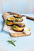 Aubergine and amaranth burger with chicken