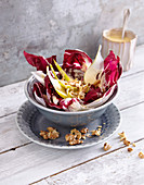 Radicchio salad with gorgonzola with walnuts (low carb)