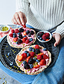 Sugar-free breakfast pizza made from flax seeds and oats with berries