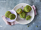 Sugar-free green muffins with spinach and bananas