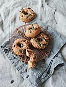 Sugar-free spelt and lye doughnuts