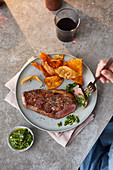 Rump steak with chimichurri and crisps