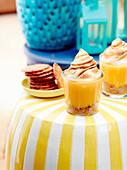 Trifle mit Lemon Curd und Baiserhaube