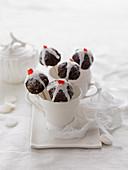 Weihnachtliche Cake Pops aus Christmas Pudding