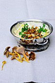 Creamy potatoes with funnel chanterelles
