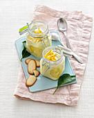 Zitronencreme im Glas mit Katzenzungen-Kekse