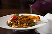 Braised leg of lamb with chickpeas