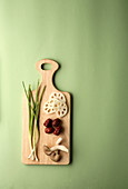 Spring onions, mushrooms, jujube fruit and lotus root