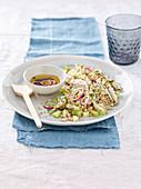 Farro-Salat mit Kaninchenund Sellerie mit Wacholder