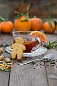 Orangengrog mit Blutorangensaft, Tee und Schnaps