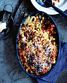 Oven-roasted fennel with tomatoes, onions and a breadcrumb crust (one pot)