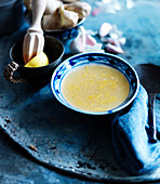 Lemon soup with garlic and ginger (China)