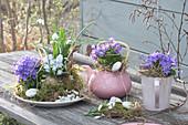 Tisch-Arrangement  mit Glockenblumen