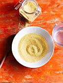 Couscous im Glas und auf Teller