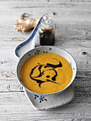 Carrot and pear soup (low carb)