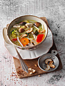 Vegetable curry with cashew nuts (low carb)