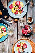 Rote-Bete-Salat mit Feta, Nüssen und Couscous