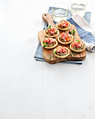 Spicy tartlets with aubergine and bacon