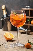 Klassischer italienischer Aperol Spritz Cocktail