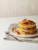 Pancakes mit Feigen und Sirup