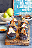 Chickpeas brownie muffins with pears