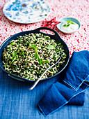 Reissalat mit Kräutern zu Weihnachten