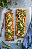 Puff pastry tarts with salmon and green asparagus