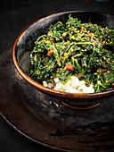 Grünkohl mit Sesam auf Reis (Korea)