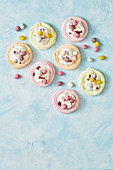 Mini easter jelly pavlovas