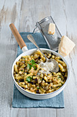 Fusilli with aubergines and fried garlic