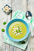 Zucchini-Spinat-Suppe