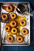 Pumpkin gugelhupfs with caramel sauce