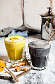 Golden milk and charcoal latte (vegan)