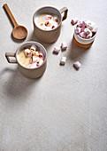 weiße Schokolade mit Amarula und gegrillten Mini-Marshmallows