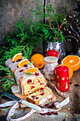 Orange-Cranberry-Kuchen mit Zuckerglasur