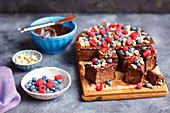 Courgette brownies with berries