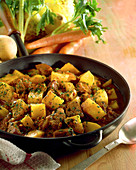 Spezzatino mit Kartoffeln (italienischer Fleischeintopf)