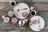 Apple rose cakes with espresso