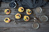 Mini summer tarts with lemon curd and fruit