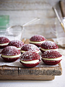 Mini Red Velvet Whoopie Pies (USA)