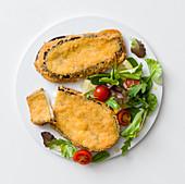 Cotoletta di melanzane (Frittierte Auberginen-Mozzarella-Sandwiches, Italien)
