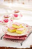 Vanillecremeschnitten zum Tee