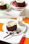 Schokoladen-Mud-Cakes mit Baileys