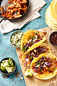 Tacos mit Pulled Chicken