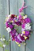 Duftendes Blütenherz aus Silene armeria ( Nelken-Leimkraut ), Dianthus