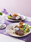 Rump steaks with Yorkshire puddings and blue cheese
